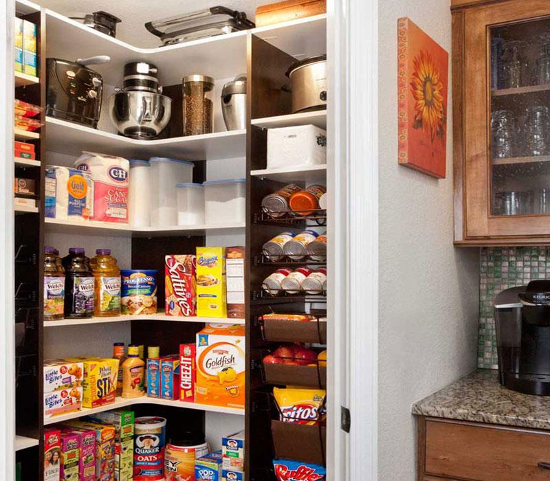 custom corner pantry saskatoon